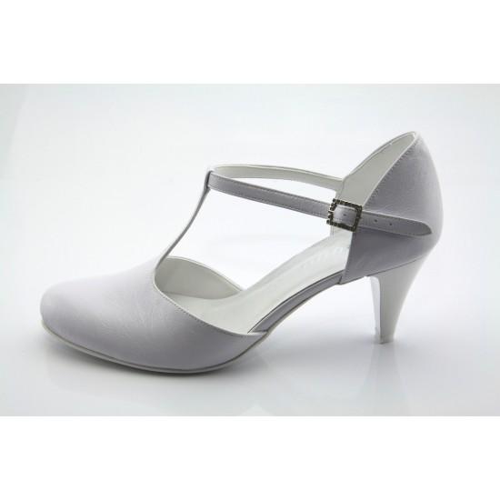 April fehér esküvői menyasszonyi cipő