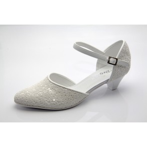 c1259398d6 Fehér menyasszonyi cipő Cheryl