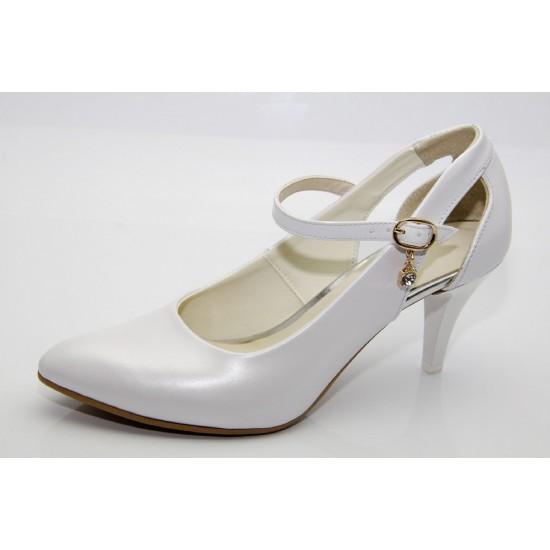 Menyasszonyi fehér gyöngyházfényű cipő  Avni