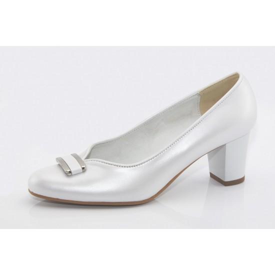 Fehér gyöngyházfényű esküvői cipő Stella